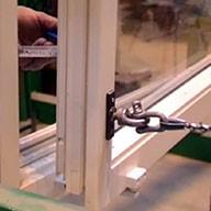Fenstersicherung am Prüfstand