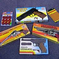 Verschiedene Spielzeugpistolen