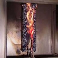 Normprüfung der Entflammbarkeit von Textilien